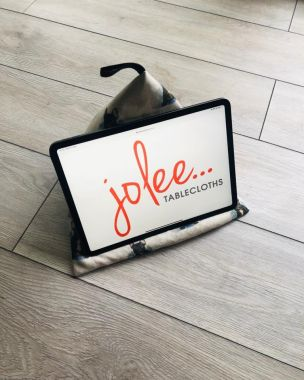 French Bulldogs ipad/Tablet Cushion Stand Beani