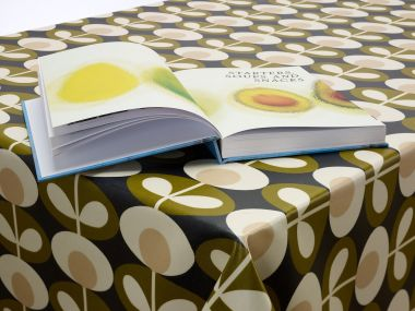 Orla Kiely Oval Flower Seagrass with Black Bias Binding and Rounded Corners 130cm x 120cm