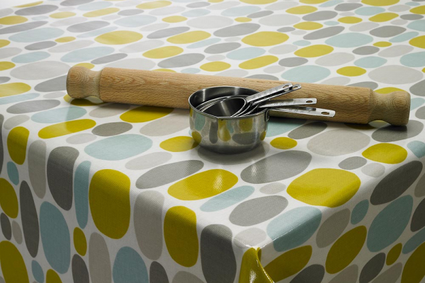 Which Tablecloth is Right for my Cafe?